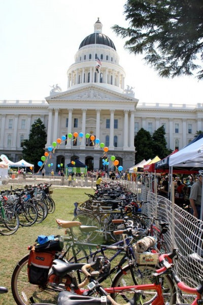 Swing by the free Capitol BikeFest on your lunch break this Thursday, from 11am-1pm at the West Steps of the Capitol Building.